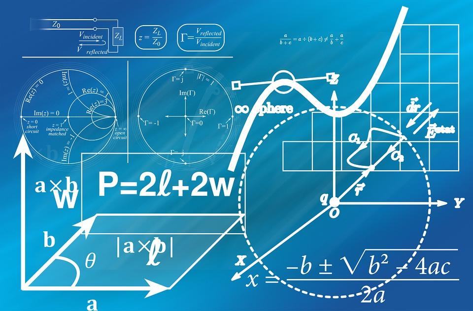 1881-ben a csillagász Simon Newcomb azt vette észre, hogy amikor a könyvtári anyagokat használja, akkor a logaritmus táblázatok első oldalai jobban el vannak használódva, mint a későbbiek. Több, mint 50 évvel később, 1938-ban, Frank Benford húsz adatbázison tesztelte ezt a megállapítást: utcai címeken, közüzemi számlák adatain, időjárási adatokon, folyók méretein, molekulák tömegein, amerikai városok népességein vagy éppen számokon, amelyek egy-egy folyóirat cikkeiben megjelentek. Vagyis kimutatta, hogy a mindennap során használatos számok sokkal gyakrabban fognak 1-gyel kezdődni, mintsem 9-cel. Pedig alapvetően azt gondolnánk, hogy a 9 számjegy (1-9) előfordulási esélye 11,1%, de ez nem így van. Egészen pontosan a számok 31%-a kezdődik 1-gyel, 18%-uk 2-vel és 12% 3-mal. Az első három szám kétszer olyan gyakori, mint a 4 és 9 közötti összes szám. (A 0 előfordulási valószínűsége elenyésző). A törvényszerűséget el is nevezték Benford törvényének. A módszer felhasználható például könyvelési csalásoknál is. Sok elemzőház, hedge fund szakosodott arra, hogy az ilyen vállalatokat megtalálja és aztán short pozícióval, (azaz a részvény eladásával, majd későbbi időpontban alacsonyabb áron történő visszavételével) nyereségre tegyen szert. Az ilyen csalásokat azonban egészen nehéz kiszúrni, hiszen ahhoz jól kell ismerni a vállalatok mérlegét, az iparági sajátosságokat, figyelni kell a cégek nyilatkozatait, azaz egy elég hosszadalmas munka, melynek folyamán valószínűleg a vállalat az állításunk ellenkezőjét fogja foggal-körömmel bizonyítani, azaz azt, hogy mindent tökéletesen és jól csinált. Tudható például az is, hogy az amerikai adóhatóság (IRS) is használja arra, hogy kiszűrje kik azok, akik valószínűsíthetően adót csalnak.
