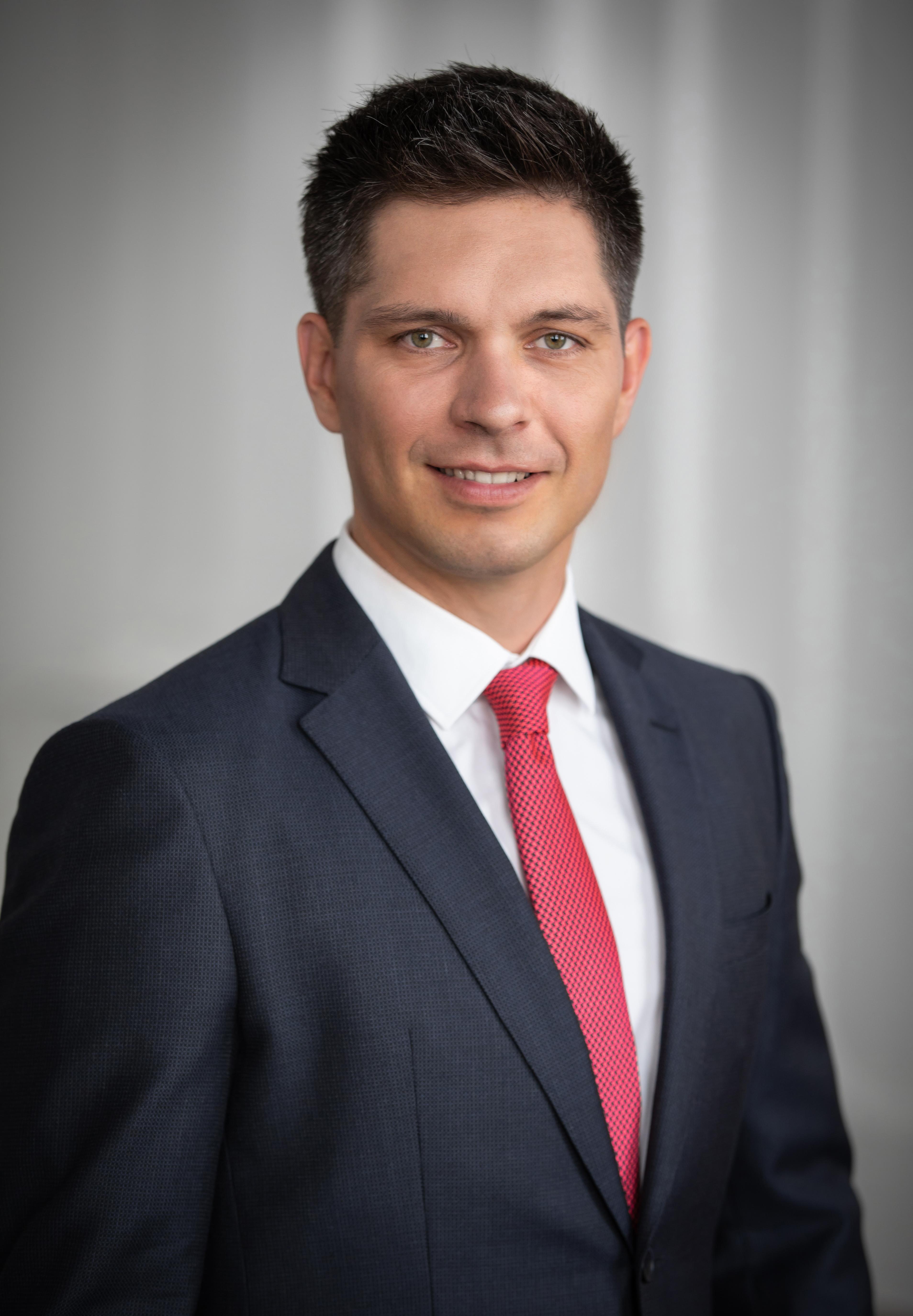Dr. Balog Ádám